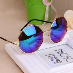 Moda 2016 Óculos De Sol Dos Homens Das Mulheres de Design Da Marca Do  Vintage Rodada Óculos de Sol Menina UV400 Eyewear oculos de sol Feminino  TYJ 18 em ... 5de541eac2