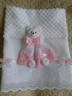 toalhinha de boca com ursinho para bebe | Atelie Bia Flores | Elo7