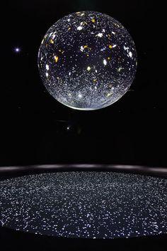 SERVIAM: Just that the globe will be on the floor, stars on the sky. Modern Sculpture, Sculpture Art, Light Art Installation, Art Installations, Bright Art, Projection Mapping, Stage Design, Land Art, Public Art