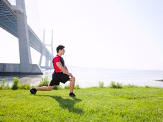 Dynamic stretches for warm-up before running Running Warm Up, Running Tips, Best Fitness Programs, Workout Programs, Muscle Fitness, Fitness Tips, Men's Fitness, Fitness Motivation, Dynamic Stretching