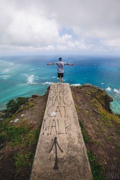 The Dead Man's Catwalk, Oahu // travel goals