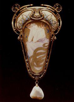 Fouquet Mucha ornement de corsage