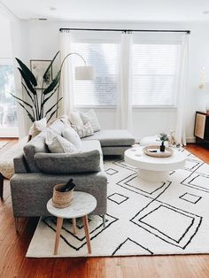 Fascinating Scandinavian Living Room Design Ideas For More Comfortable Space Living Room Modern, Living Room Chairs, Home Living Room, Apartment Living, Living Room Designs, Living Room Furniture, Living Room Decor, Home Furniture, Living Spaces