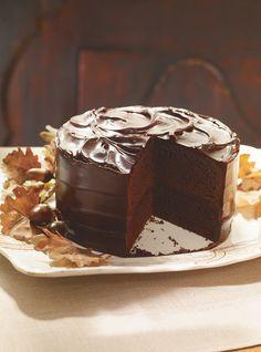 Recette de Gâteau au chocolat et à la bière Guinness. La bière fait des merveilles dans un dessert au chocolat. Recette de Ricardo. Gâteau de fête: 12 portions.