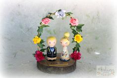 Personalized Wedding Cake Topper with arch, Painted Wedding Cake Wood Peg Dolls, Custom Wedding Bride and Groom, Custom Cake Top by ArtwenShop on Etsy