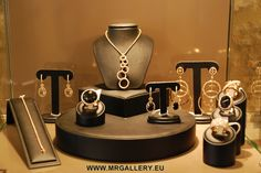 Un nostro espositore, one of our exhibitors.   www.mrgallery.eu  info@mrgallery.eu