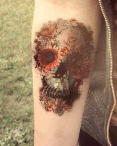 love the color combos and the various images that morph out of the skull...LOVE IT