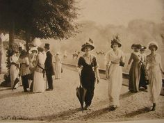 France. La Belle Époque. Elegant ladies walking around  Longchamps, Bois de Boulogne, Paris 1912