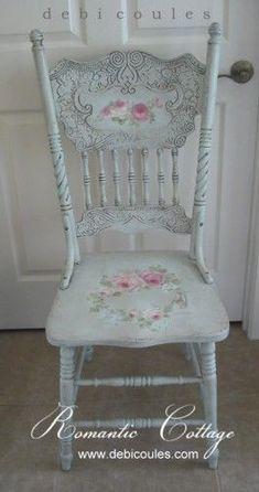 Une idée de ce qu'on peut faire avec une chaise. Debi Coules Antique Romantic Hand Painted Chair. Available at www.debicoules.com