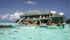 Wauw! Even wegdromen! Wat een prachtige villa op Bora Bora! Zie die glijbaan! (zucht!)