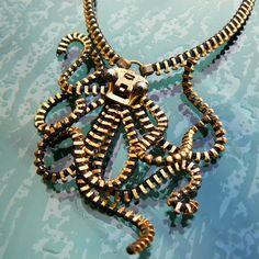 Steampunk Octopus Pendant Necklace Zipper by PeteAndVeronicas Mode Steampunk, Steampunk Clothing, Steampunk Fashion, Steampunk Accessories, Gothic Fashion, Zipper Jewelry, Zipper Bracelet, Diy Jewelry, Octopus Jewelry