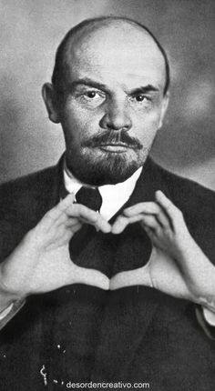 Lenin loves you! All Meme, Stupid Memes, Funny Memes, Meme Pictures, Reaction Pictures, Memes Historia, Memes Amor, Memes Lindos, Hello Memes