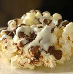 Best recipes in world: Rocky Road Popcorn Popcorn Snacks, Candy Popcorn, Flavored Popcorn, Gourmet Popcorn, Popcorn Balls, Popcorn Mix, Popcorn Kernels, Carmel Popcorn, Marshmallow Popcorn