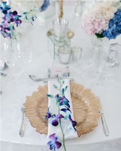Discover recipes, home ideas, style inspiration and other ideas to try. Event Company, Event Management, Wedding Planner, Floral Design, Wedding Inspiration, Table Decorations, Pink, Events, French