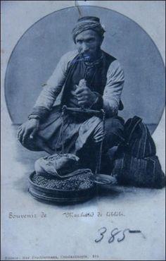 Kahveci (coffee seller). Istanbul, circa 1900.