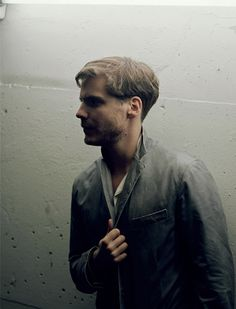 Daniel Bruhl (in-head casting for Arthur)