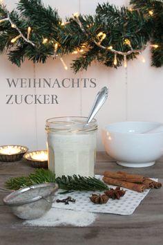 Die Grundzutat für das heutige Rezept ist Zucker. Stinknormaler weißer Haushaltszucker. Hat ja jeder zu Hause, ne?! Gebt einfach alles, was nach Weihnachten duftet, dazu und schwups habt ihr euren …
