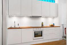 Couleurs et BD Home Decor Kitchen, Kitchen Interior, House Tours, Kitchen Cabinets, Architecture, Room, Modern Kitchens, Kitchens, Primary Colors