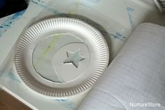 Paper plate moon and stars Ramadan craft - NurtureStore Projects For Kids, Crafts For Kids, Cresent Moon, Moon Crafts, Ramadan Crafts, Space Theme, Paper Plates, Toddler Activities, Easy Crafts
