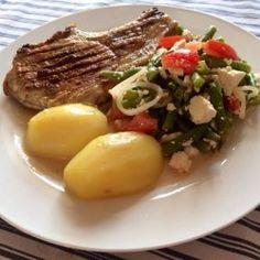 Koteletter i fad som vor italienske mama kunne have lavet dem | Dip, dressing, dyppelse og sovs | Persilles blog Beef, Recipes, Gray, Meat, Recipies, Ripped Recipes, Cooking Recipes, Steak