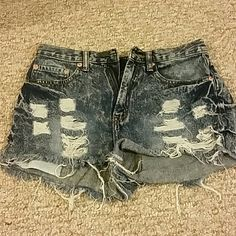 Forever 21 jean shorts Worn a few times, still like new. Slightly high waisted distressed jean shorts. Could be considered daisy dukes depending on how much booty you have ;) Perfect for summer size small Forever 21 Shorts Jean Shorts