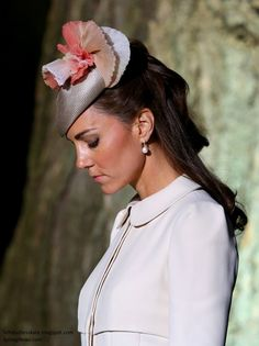 """Duchess Kate: """"All Bets off Regarding Royal Duties"""" as Kate's Illness Continues, Jenny Packham Spring 2015 & More"""