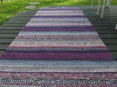 fi - Ilmoituksia: käsityöt, Varsinais-Suomi. Picnic Blanket, Outdoor Blanket, Recycled Fabric, Woven Rug, Bohemian Rug, Weaving, New Homes, Rag Rugs, Tear