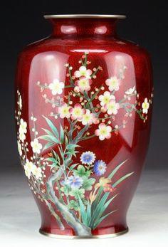 A Japanese Antique Silver Ando Cloisonne Vase - Jan 2014 Red Vases, Crystal Glassware, Metal Vase, Decorative Objects, Pottery Art, Antique Silver, Art Nouveau, Jan 11, Carving