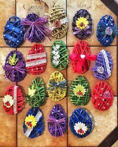 Diy Crafts Hacks, Crafts To Make, Crafts For Kids, Easter Gift, Easter Crafts, Paper Quilling Tutorial, Paper Weaving, Art N Craft, Paper Basket