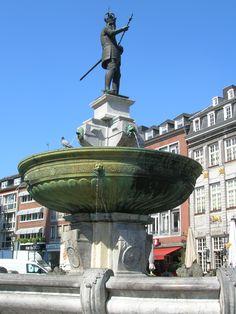 Aachen Markt Brunnen Germany