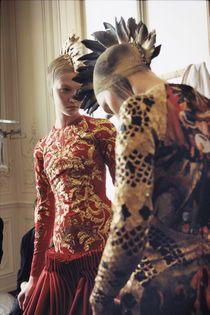 Die letzte Kollektion von Lee Alexander McQueen wurde im März 2010 in Paris gezeigt.