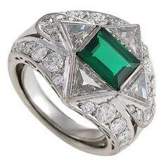 Mid-20th Century Emerald Diamond Platinum Ring