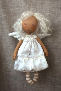 Felt Crafts, Diy And Crafts, Textiles, Primitive, Fabric Dolls, Doll Patterns, Belle Photo, Beautiful Dolls, Christmas Ornaments