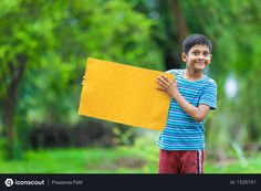 Free boy sitting in farm and holding yellow board Photo Agriculture Photos, Icon Pack, Free Design, Vector Free, Photoshop, Animation, Yellow, Board, Illustration