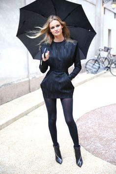 Mardi 17 septembre: le top Edita Vilkeviciute en robe Balmain automne-hiver 2013-14 lors de la Vogue Fashion Night Out