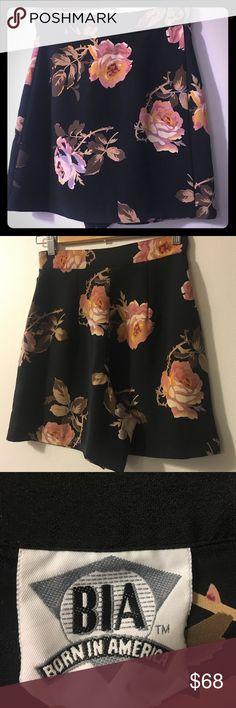 "Vtg Born in America Hi-Waisted 🌹Rose Mini Skort Absolutely stunning original early 90's Born in America High-Waisted, Tea Rose Printed Mini Skort (Skirt w/built-in shorts). Side button and zip. Immaculate preowned condition with no signs of wear, no damage, stains, odor, etc. Silky yet durable and high quality. Rare find! Shop with confidence! Ships fast from a clean, concious, smoke-free home!  Approx. Measurements: Taken Flat Waist: 24"" Hips: 34"" Length: 16"" Front Rise: 14""  Leg Opening…"