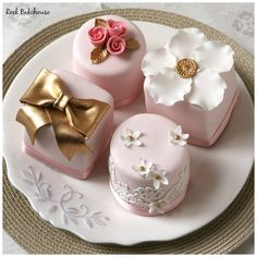 Cake Decorating Classes, Cake Decorating Techniques, Cookie Decorating, Mini Tortillas, Mini Wedding Cakes, Mini Cakes, Fondant Cakes, Cupcake Cakes, Chocolate Ganache Drip Cake