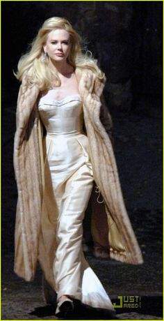 Google Image Result for http://cdn02.cdn.justjared.com/wp-content/uploads/2009/01/kidman-musical/nicole-kidman-movie-musical-01.jpg