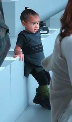 15 photos that prove North West is the ULTIMATE fashion intern: