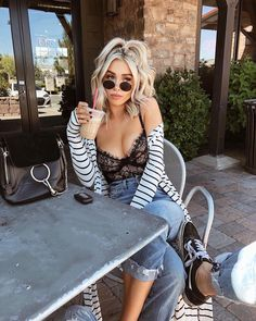 Las tendencias mueren pero estos looks son eternos Classy Outfit, Date Outfit Casual, Casual Outfits, Fashion Outfits, Casual Date Night Outfit Summer, Club Outfits, Vegas Outfits, Woman Outfits, Party Outfits
