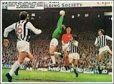West Brom 2 Leeds Utd 2 in Oct 1970 at The Hawthorns. Action from the game #Div1