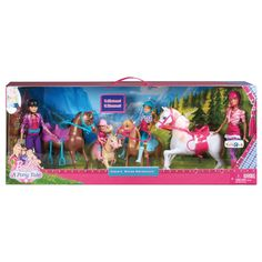 Barbie and her sisters head to a posh horse academy, where they have the opportunity to perfect their horseback-riding and grooming skills. The stable set allows girls to recreate these favorite moments from the film as well as play out imaginative equestrian stories. For complete play, Skipper, Stacie and Chelsea dolls - and four horses! - are included.