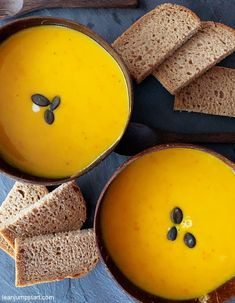 Red kuri squash: my easy and best pumpkin soup ever with Hokkaido Best Pumpkin, Pumpkin Soup, Red Kuri Squash Soup Recipe, Whole Food Recipes, Healthy Recipes, Best Appetizers, Side Dish Recipes, Clean Eating Recipes, Food To Make