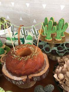 Simplesmente amei este Cha de Bebê Cactus. Decoração Dona Doçura. Lindas ideias e muita inspiração! Bjs, Fabiola Teles. Mai...