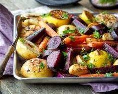 Légumes d'automne rôtis au four : http://www.cuisineaz.com/recettes/legumes-d-automne-rotis-au-four-89125.aspx