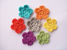 Flower Girl Cottage : Free Crochet Flower Pattern The Perfect Posey