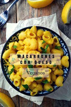 Macarrones con queso veganos. Hecho con verduras y sin ningún queso vegano procesado. Receta súper fácil y deliciosa!