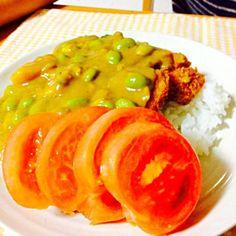 今から食べるところ。 チキンカツがポイントでした。 - 61件のもぐもぐ - 枝豆カレーライス by 31sato