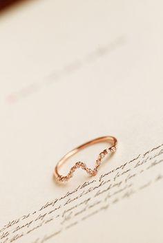 Stylish Rhinestone Wave Ring