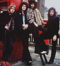 Dónde es esta foto?? Esta es una foto absolutamente necesaria para Londres,  junto a la famosa caseta de teléfono roja. Algo asi como el autobús o esa ruta cebrada donde los Beatles se tomaron fotos para la tapa de ese disco.